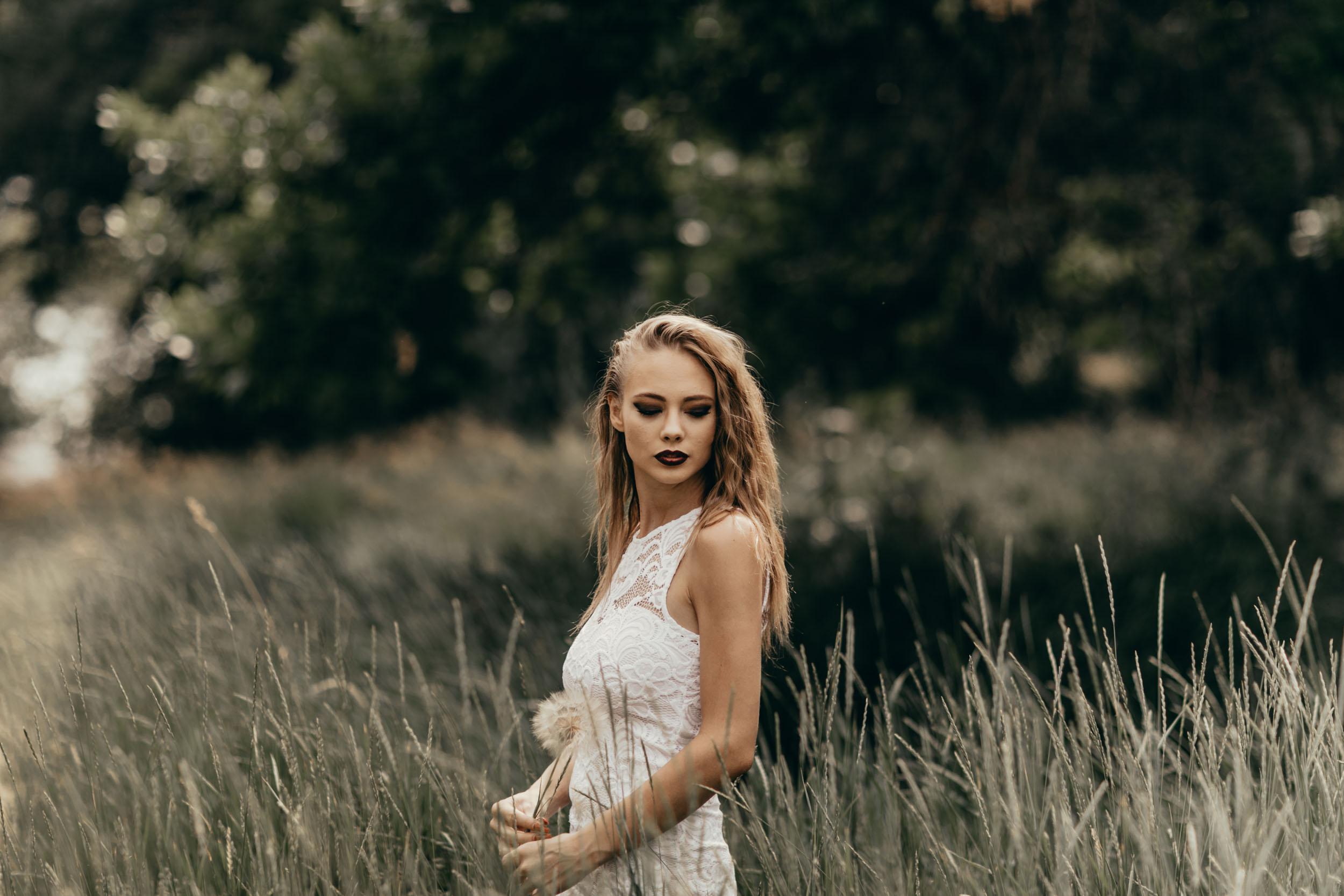 ashley-alternative-bride-photography-6.jpg