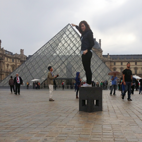 DON'T YOU WANT TO BE COOL LIKE ME, AND DO THIS? This alone is a good enough reason to visit the Louvre. Unless you're Jen, in which case you're too short to make this work. Whomp whomp, sorry Jen.