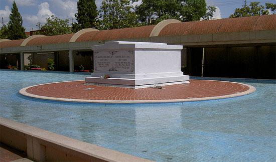 Martin-Luther-King-Jr.-National-Historic-Site-2.jpg