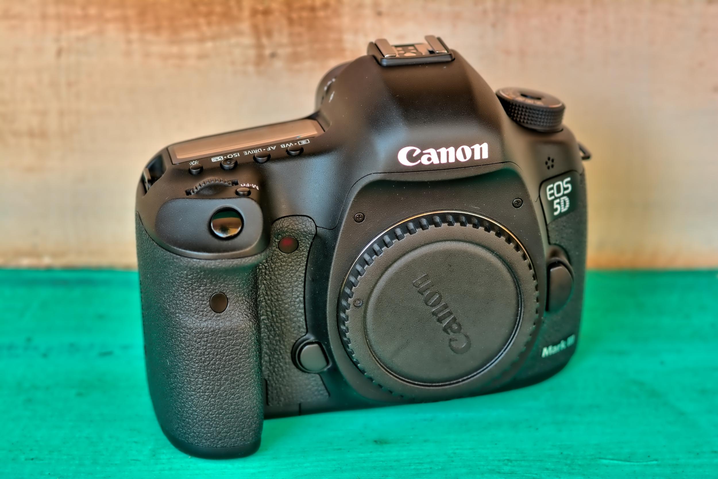 Canon EOS 5D Mark 111 Full Frame DSLR Camera