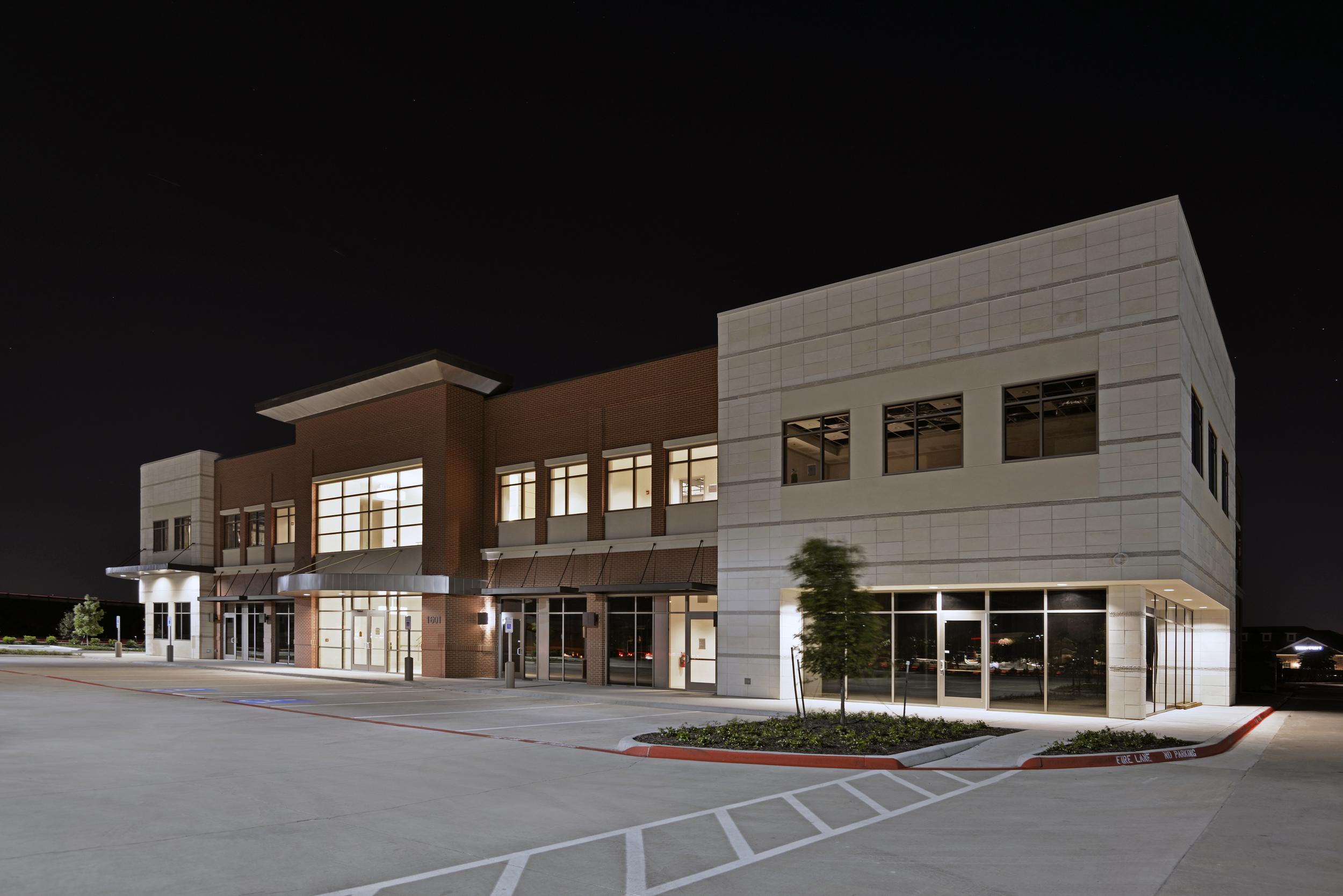 121 Centre, Carrolton, TX