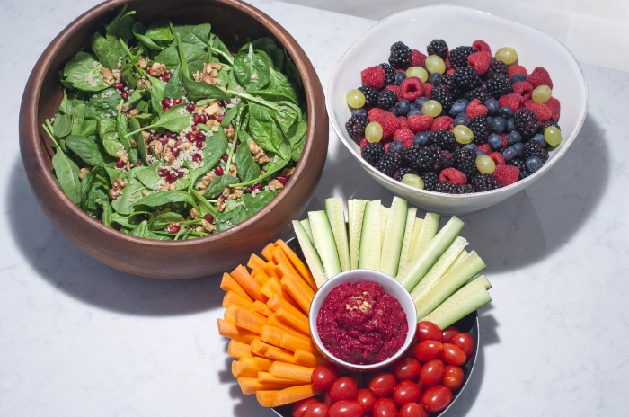 Spinach Salad, Mixed Berries, + Veggies w/ Hummus