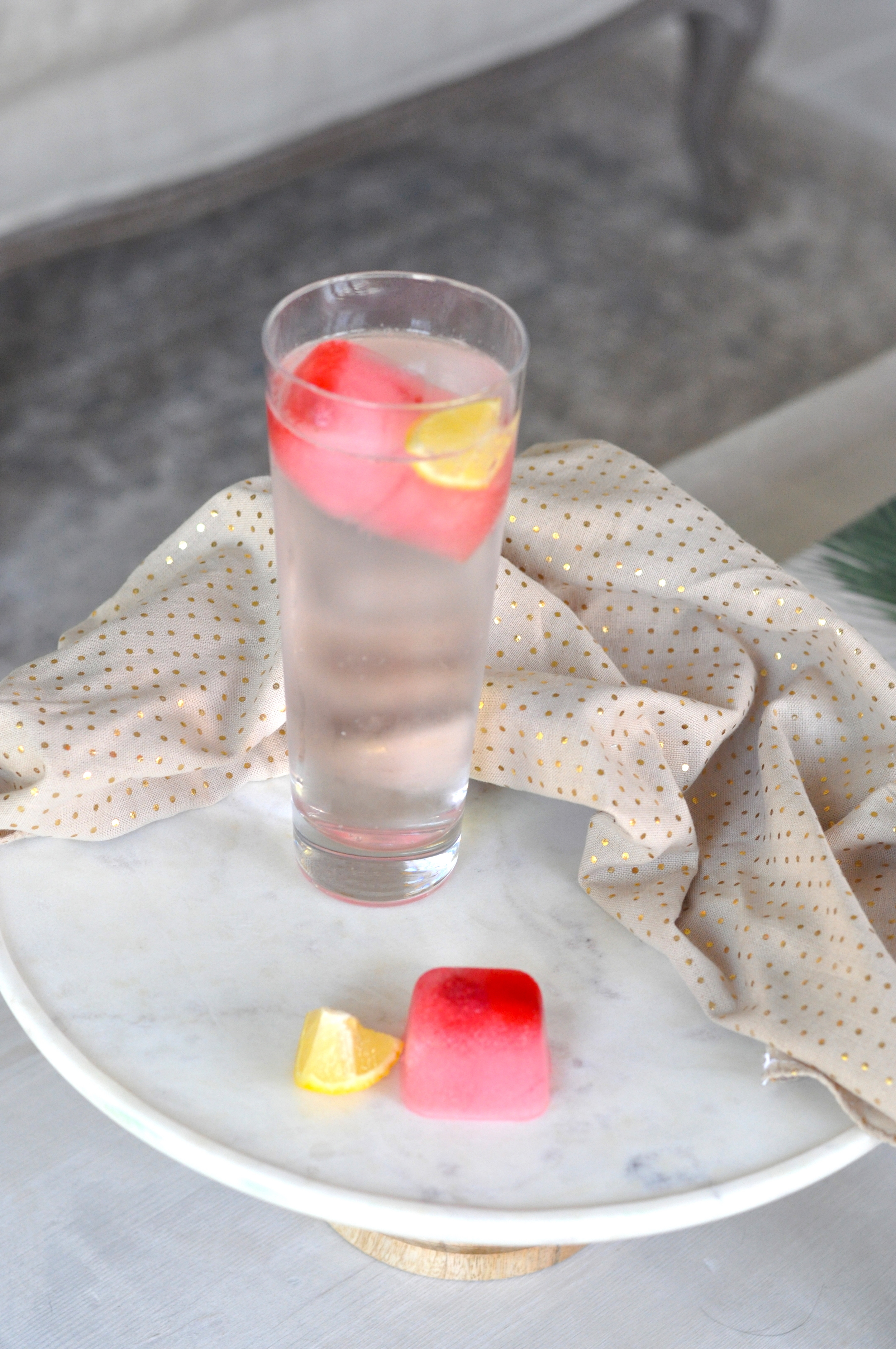 Erin Stanczyk | Lifestyle Design | eat.move.rest. | WATER YOU WAITING FOR? WAKE UP TO A LEMON-RASPBERRY SUNRISE