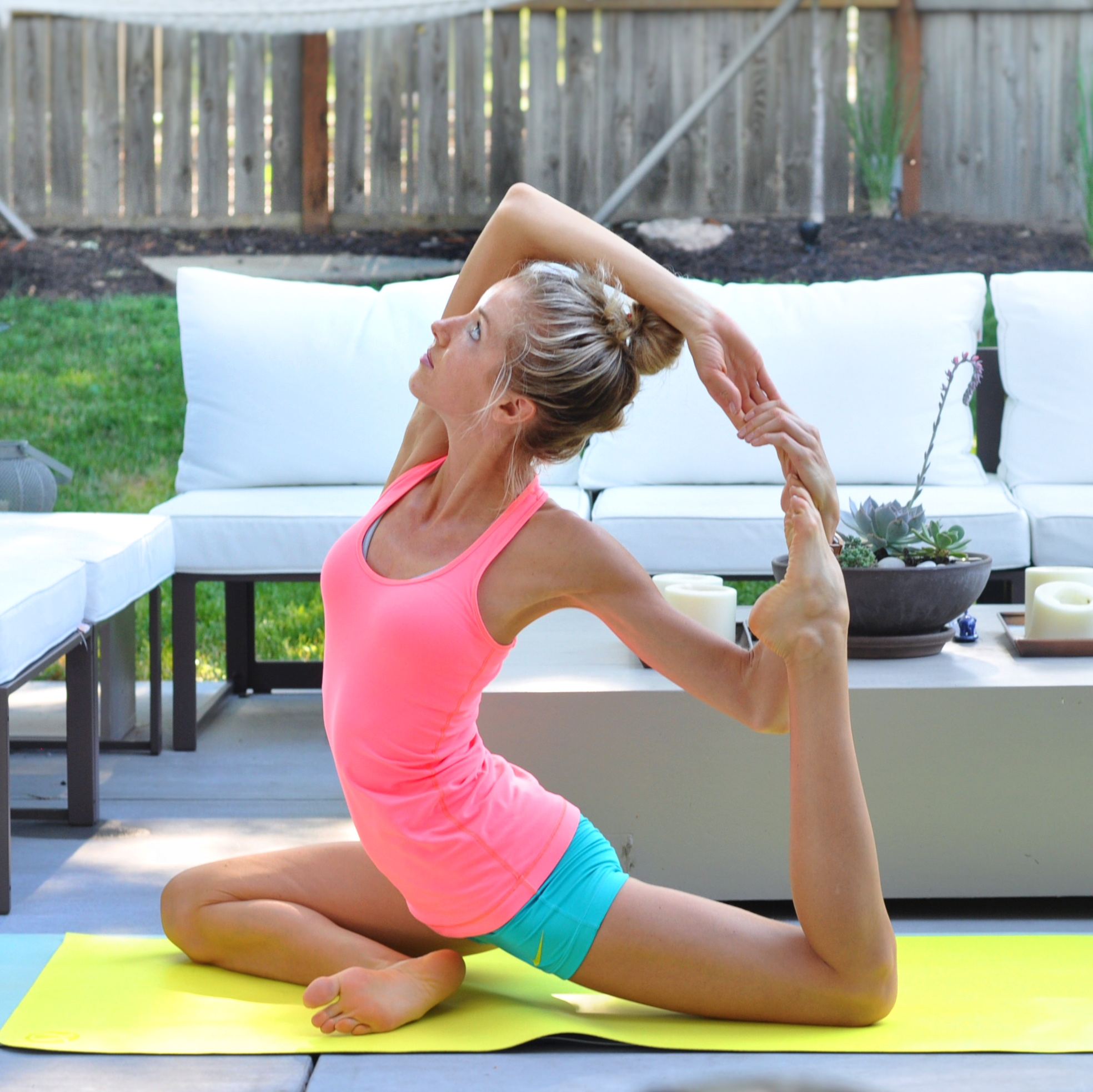 ☼ Fitness + Yoga Sessions - Exercises you can fit in anywhere, anytime + outdoor yoga on the island