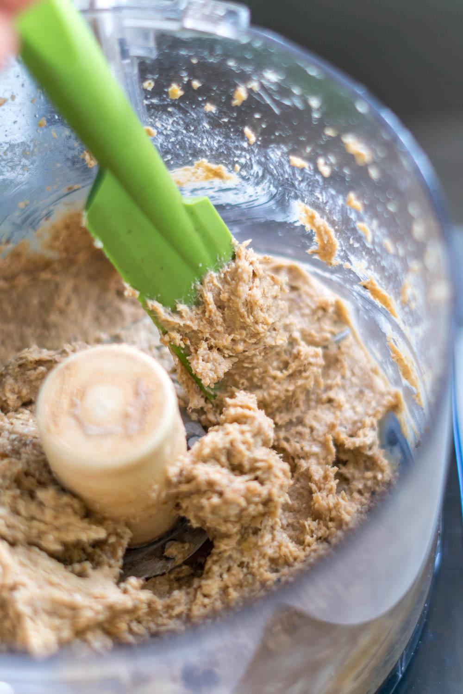 Peanut Butter Chocolate Protein Bars | Erin Stanczyk | EatMoveRest.com