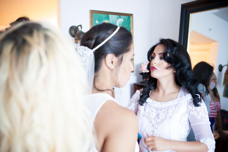 kikevalderrama-wedding-getting-ready-bride.jpg