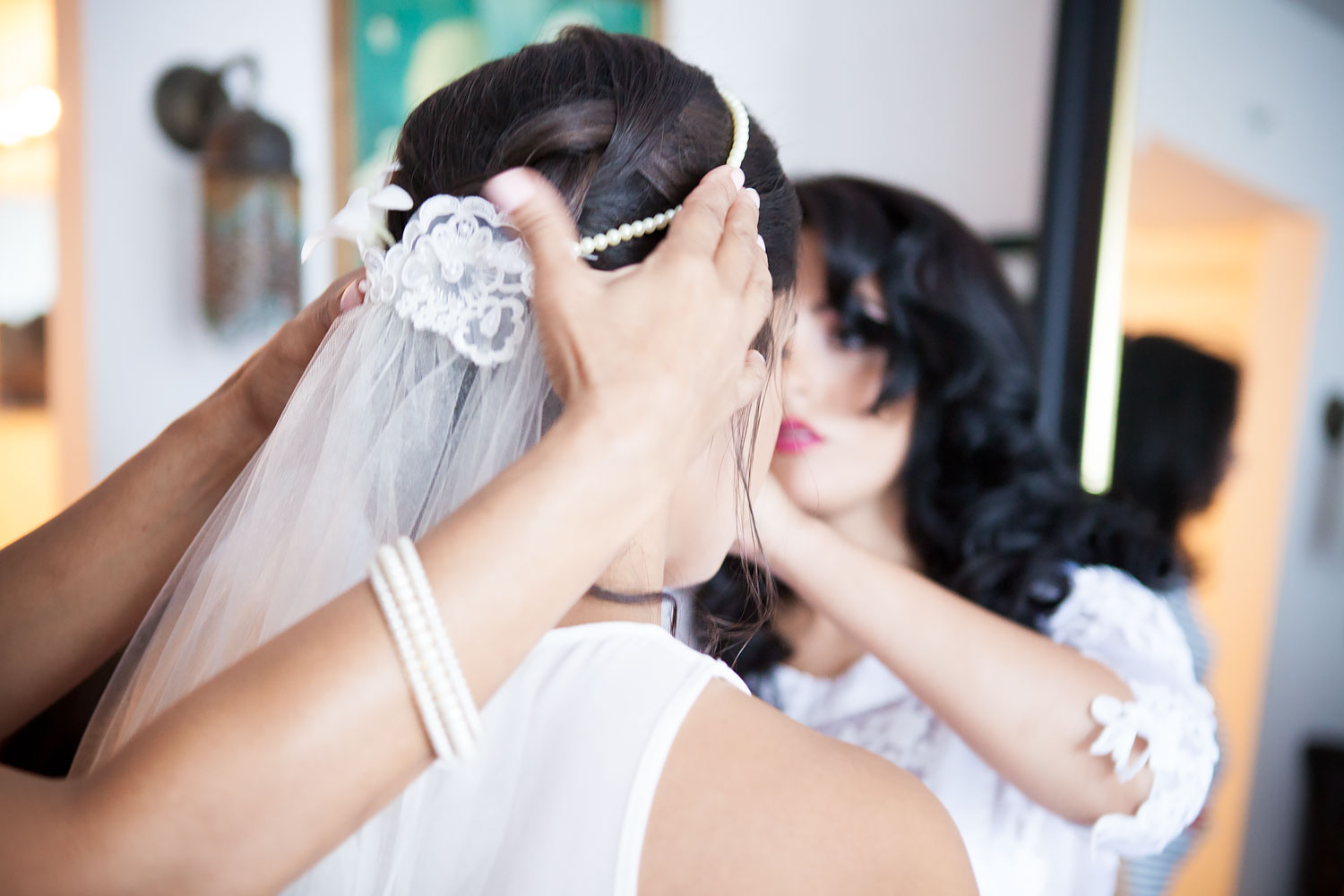 kikevalderrama-wedding-getting-ready-hair-accessorie.jpg