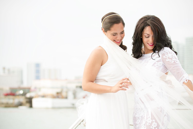 kikevalderrama-wedding-lesbian-couple.jpg