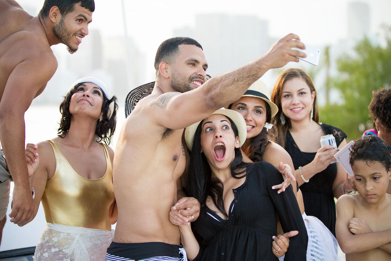 kikevalderrama-wedding-party.jpg