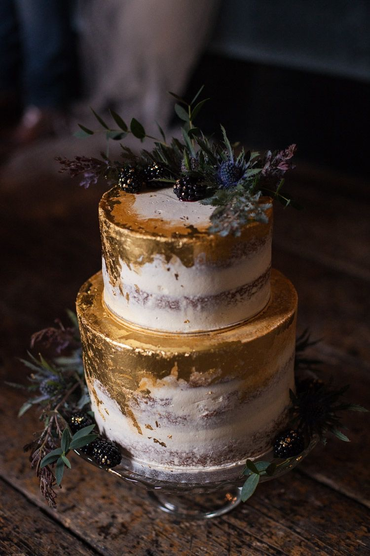 Photo Credit via:  Whimsical Wonderland Weddings