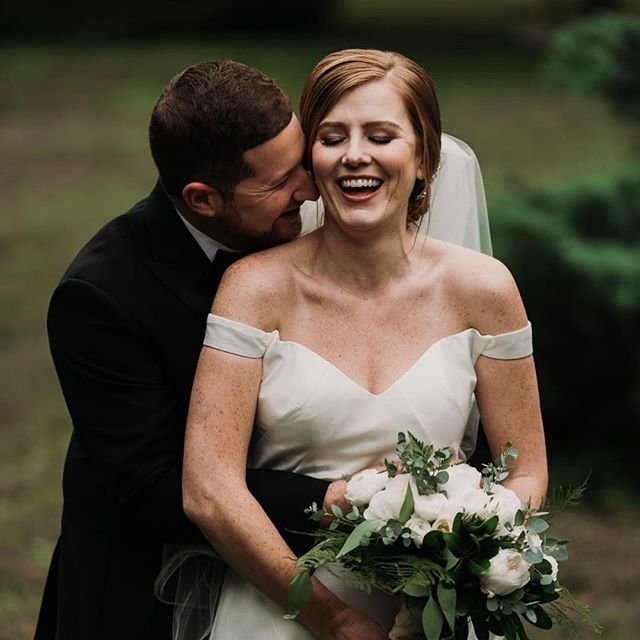 Happy Anniversary to our gorgeous couple Carrie + Brian! ❤️❤️🥰🤩 #louisvillewedding #louisvilleweddingplanner #whitehall #loveisreal #happycouple 📷 by @hernameisgretchen