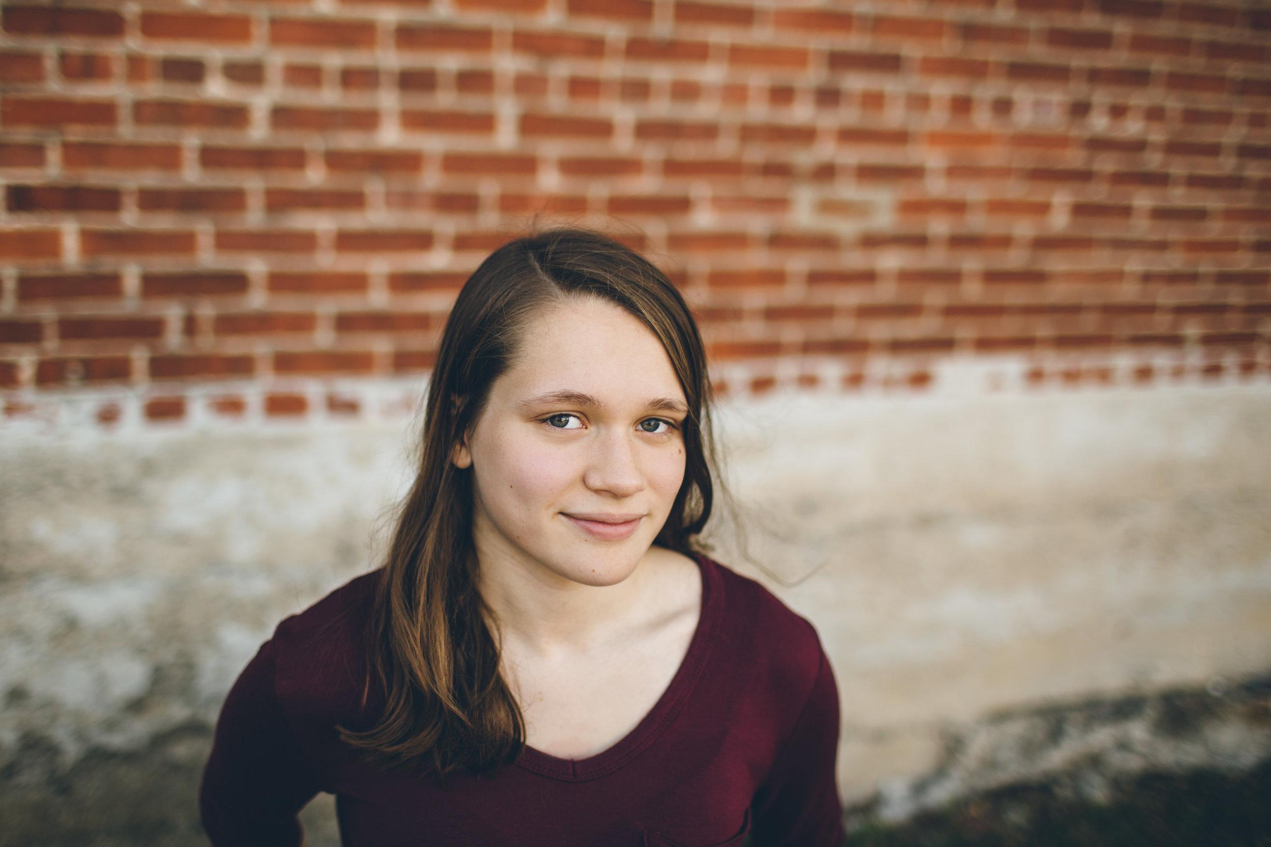 Julie_Senior Portraits-5.jpg