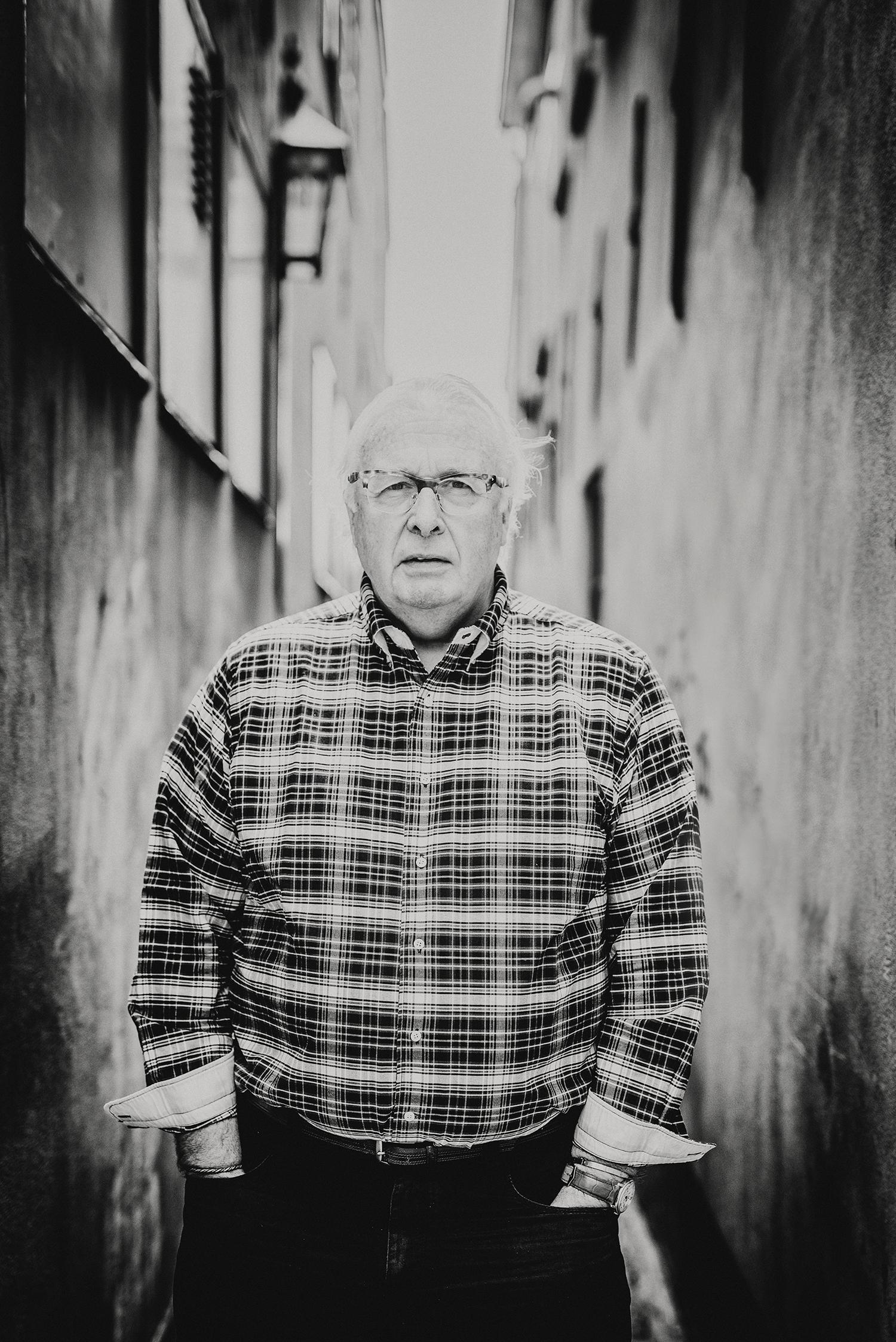 Mart Smeets gefotografeerd voor de rubriek van Sander de Kramer