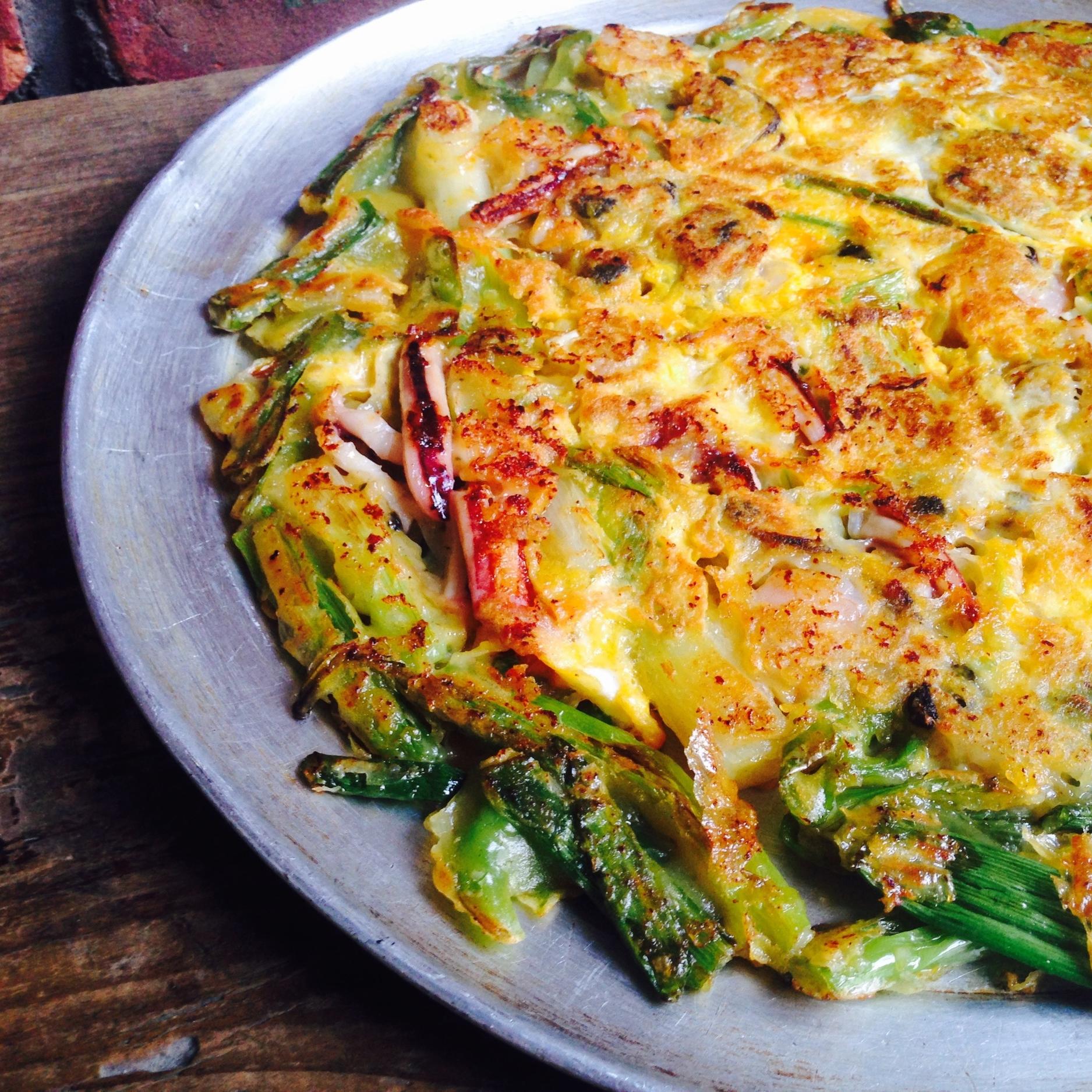 해물파전 Korean Style Seafood Pancake $15.95