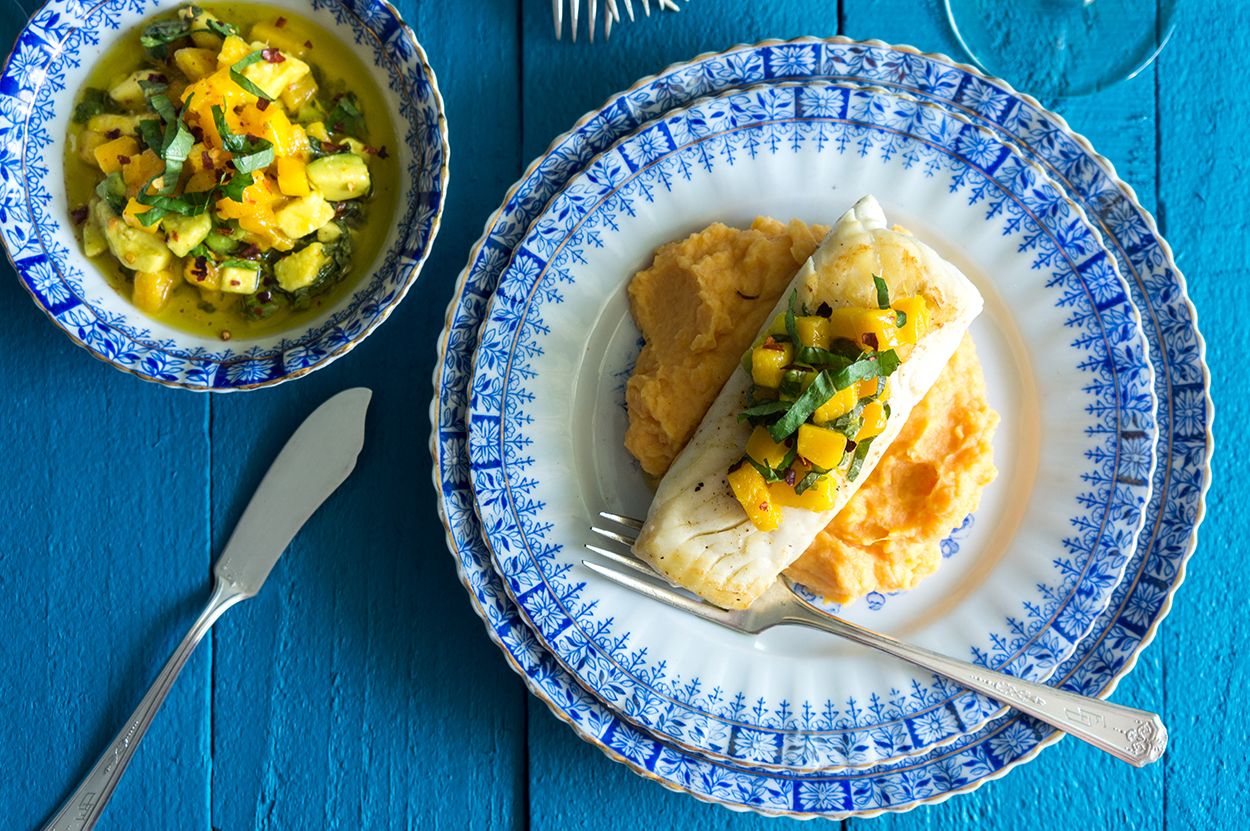 Easy recipe and easy dinner.  How to cook a tropical and Caribbean dinner.  Halibut, sweet potatoes, mango, avocado, avocado salsa.  Puerto Rican food and Puerto Rican recipes everyday.
