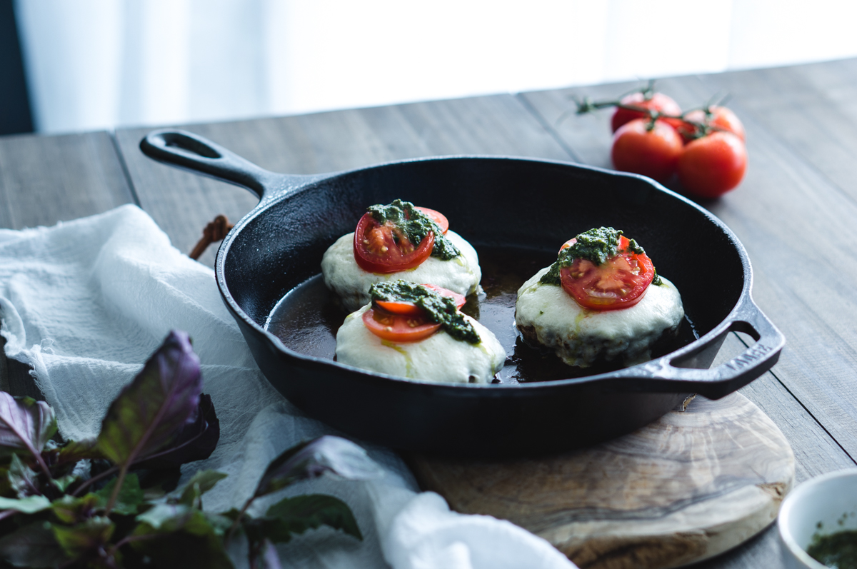 Best way to build a burger, with mozarella, pesto and tomatoes