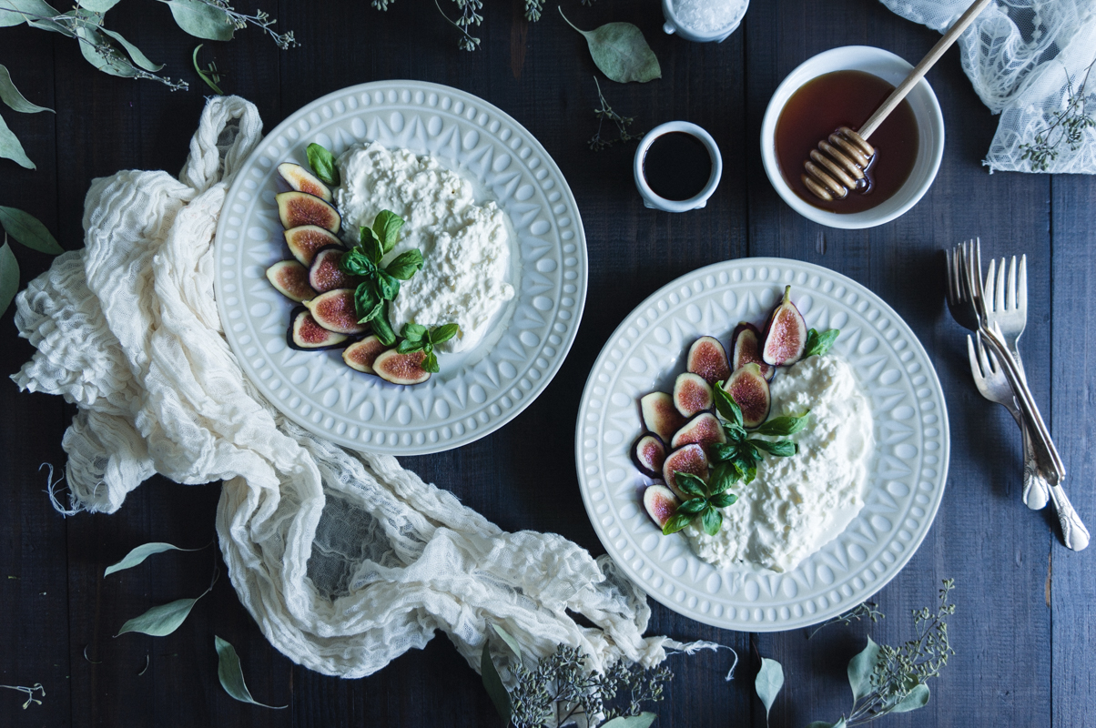 Burrata & Figs Salad with Honey and Balsamic