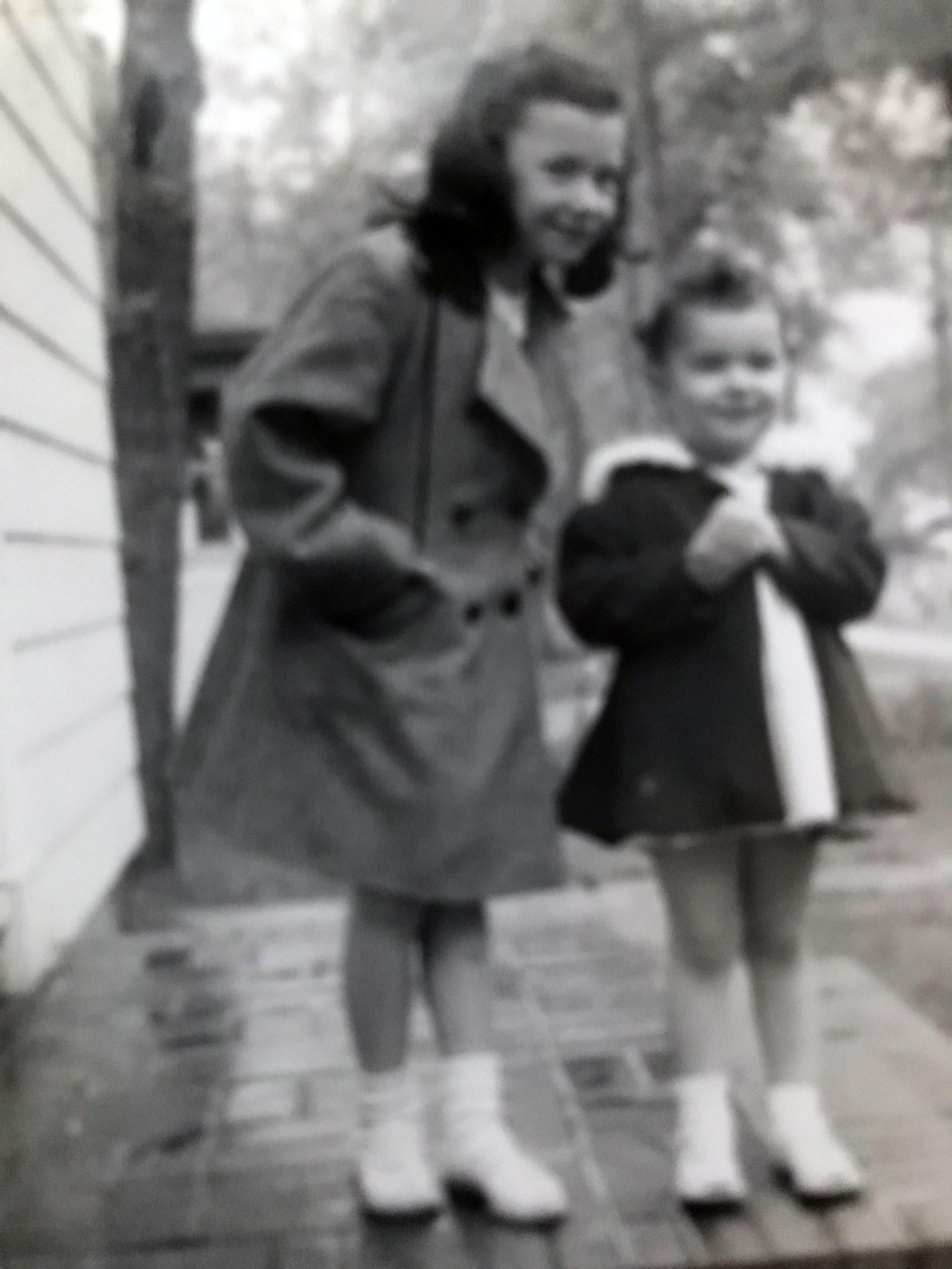 Darlene & Ann Englert, 1947 (image copyright, W.L. and D.K. Talbott Trust)