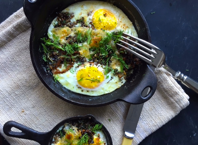 baked-eggs-mushrooms-herbs-recipe.jpg