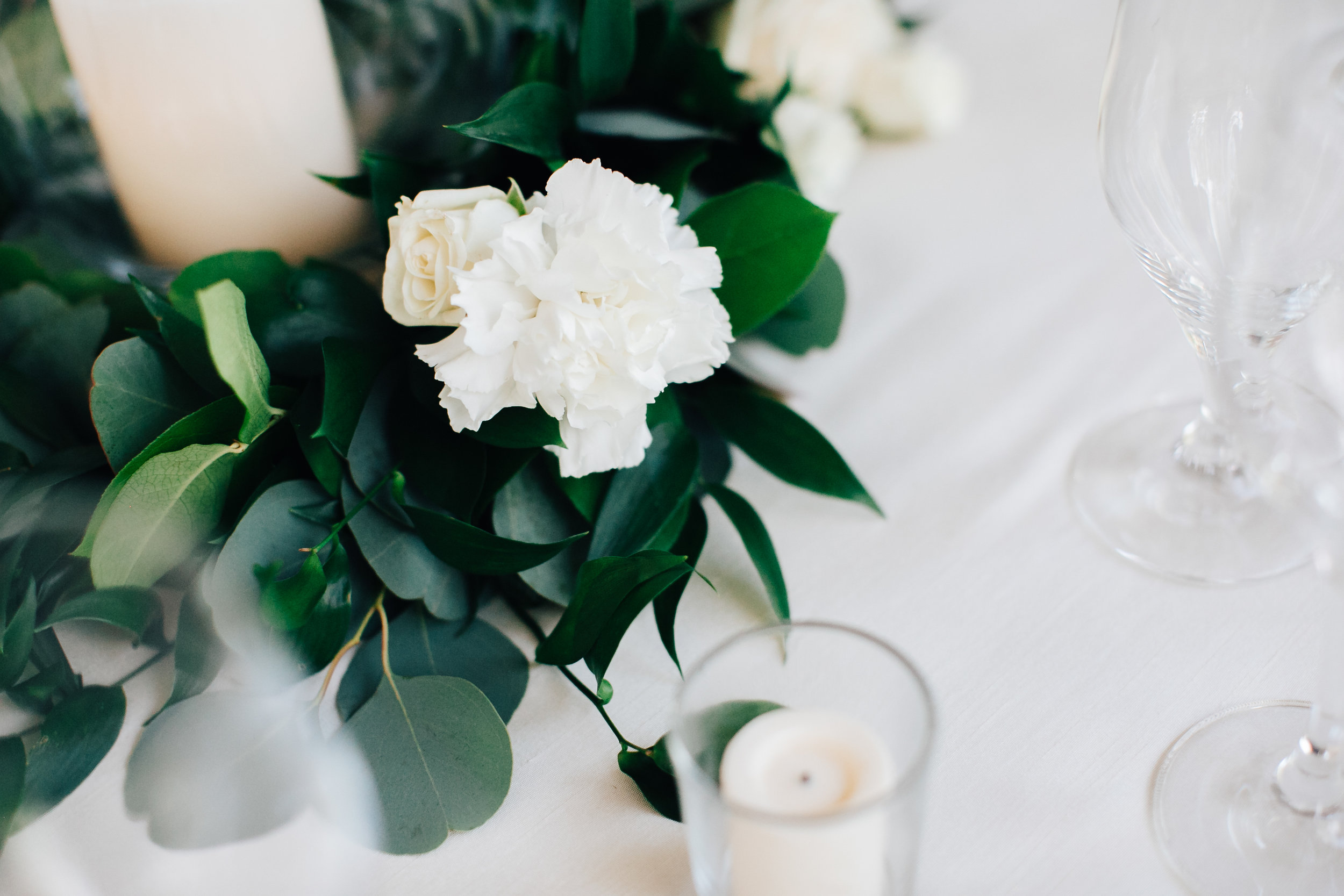 0858_megan_beth_dawson_river_farms_wedding.jpg