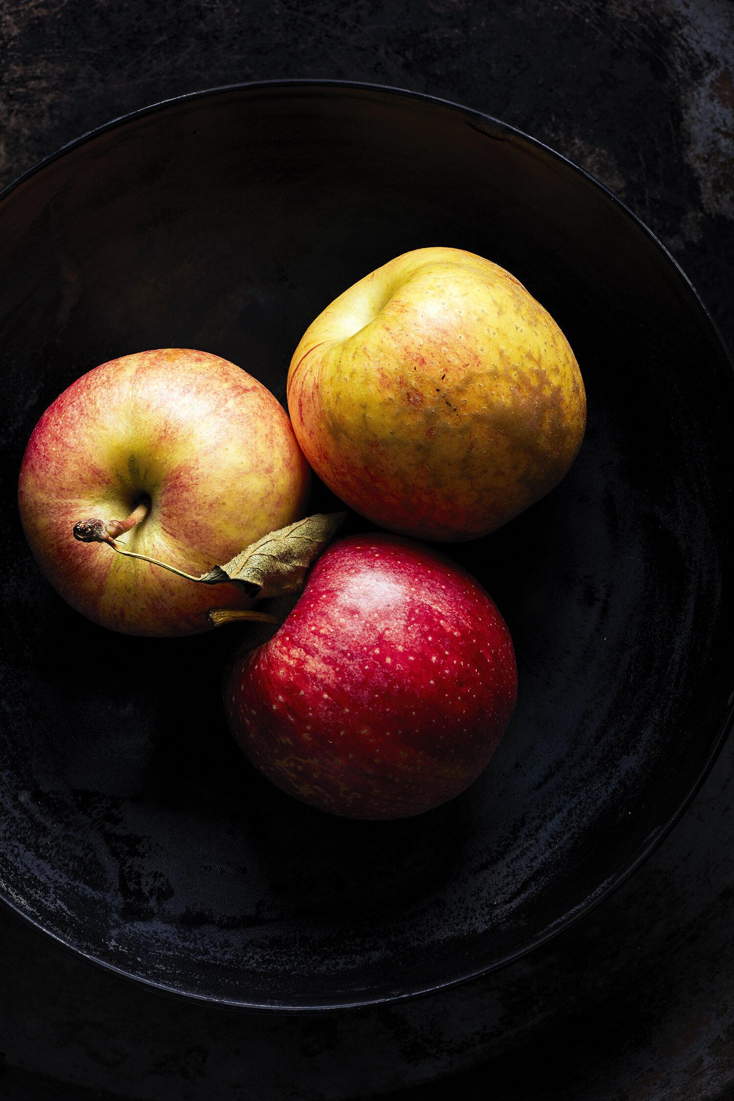 Franco food apples 191003shot01-313022f.jpg