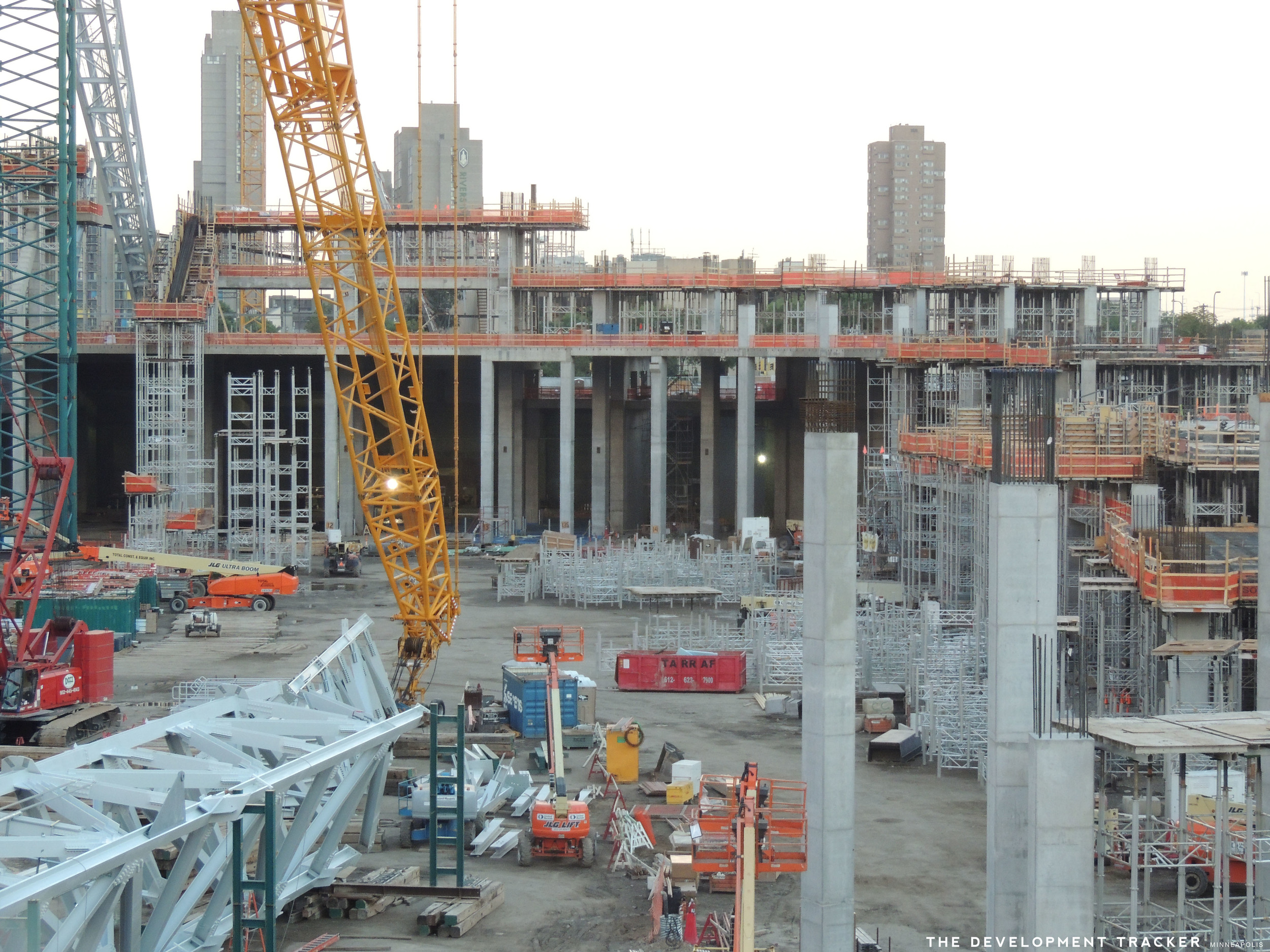 Structural concrete begins to reach the third level (second level of concourse space).