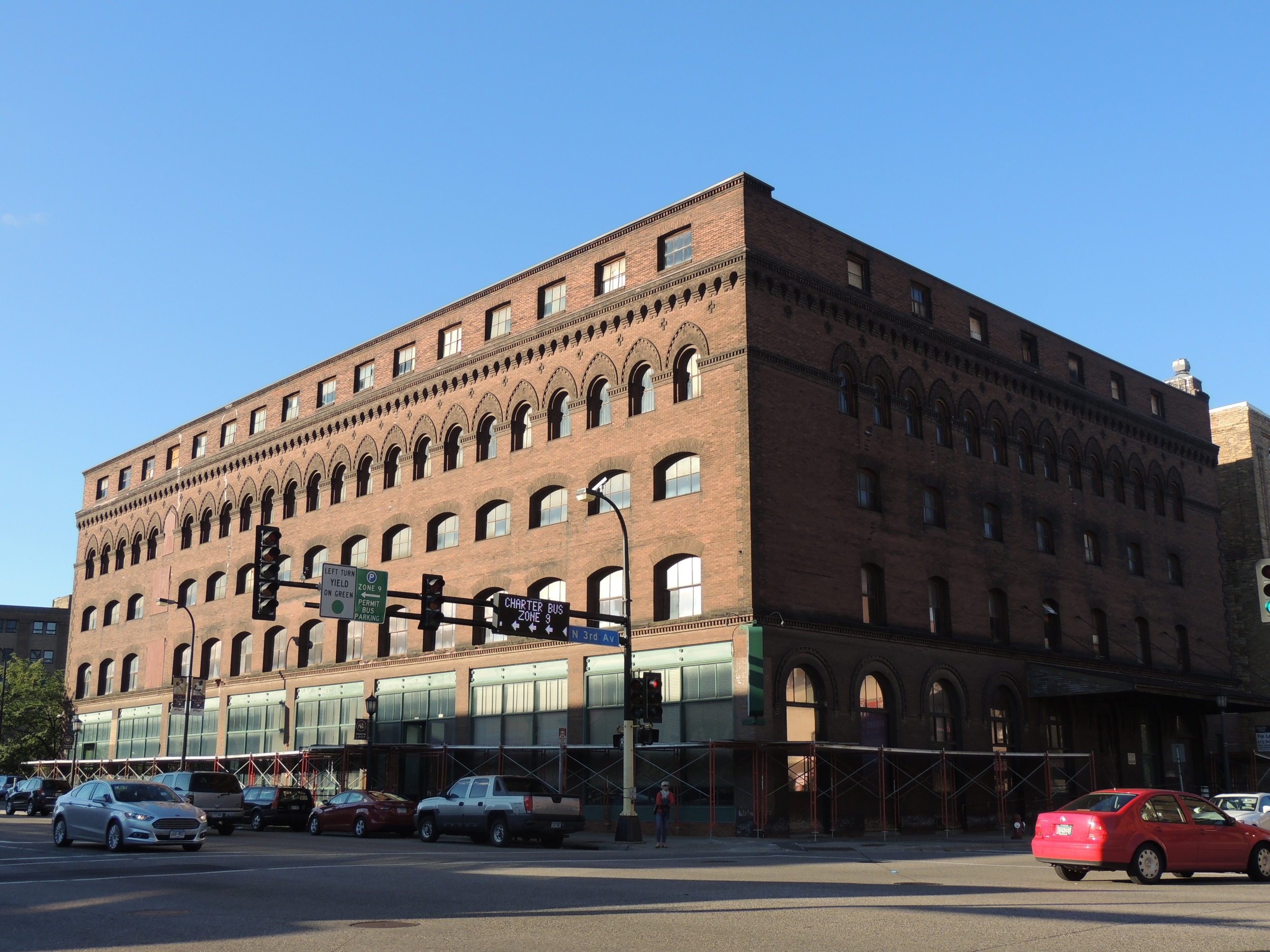Above:  Aparium Hotel Groups hopes to turn the historic Jackson Building in a 120 room boutique hotel.