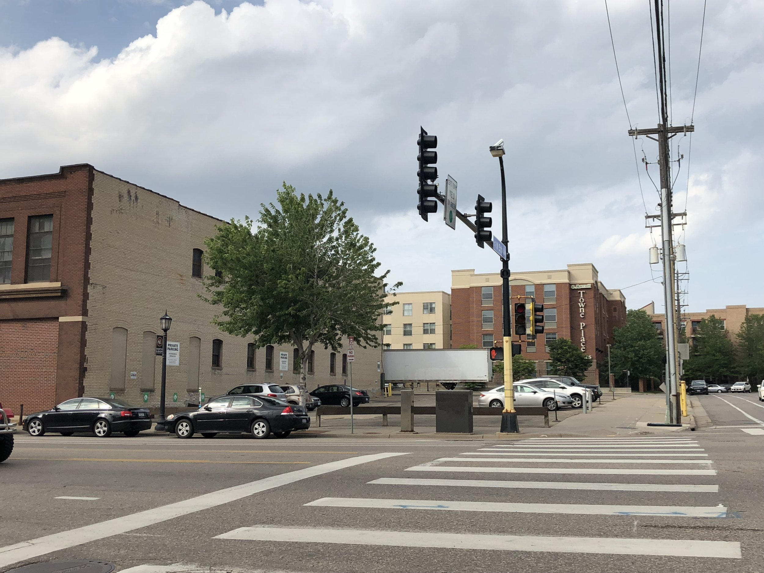 The vacant lot Dominium plans to develop into an apartment building