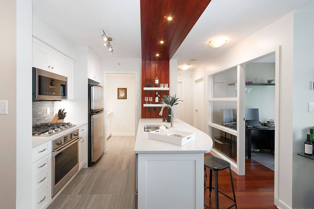 KITCHEN RENOVATION, ELECTRICAL IN DOWNTOWN VANCOUVER