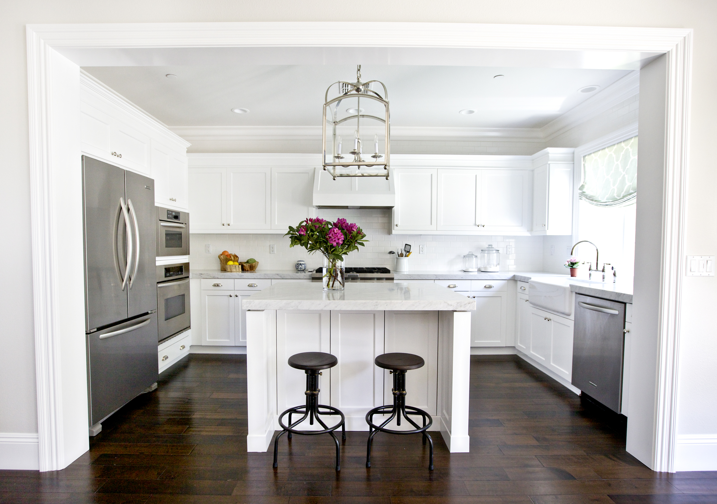 White kitchen with subway tile to ceiling || Studio McGee
