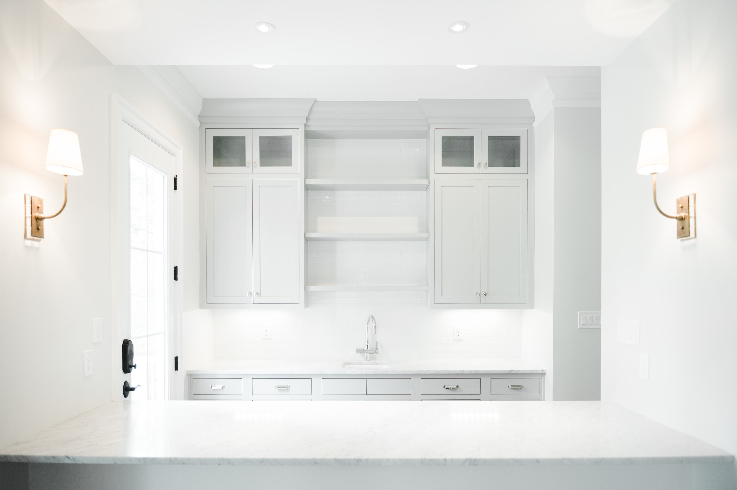 Light gray butler's pantry || Studio McGee