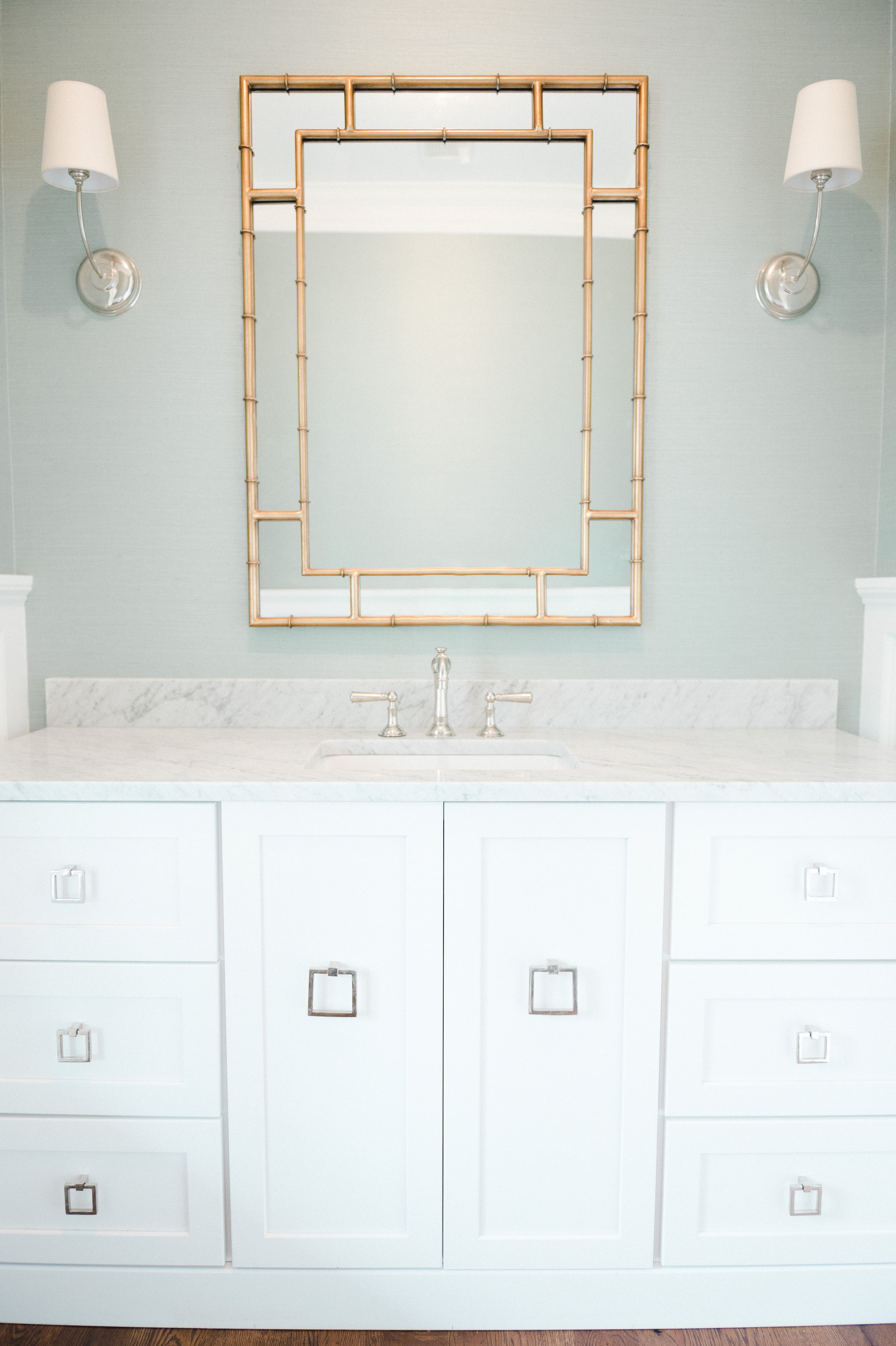 Powder Bathroom with mixed metals || Studio McGee