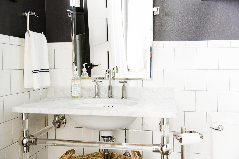 Black+and+White+Bathroom+||+4Studio+McGee.jpg