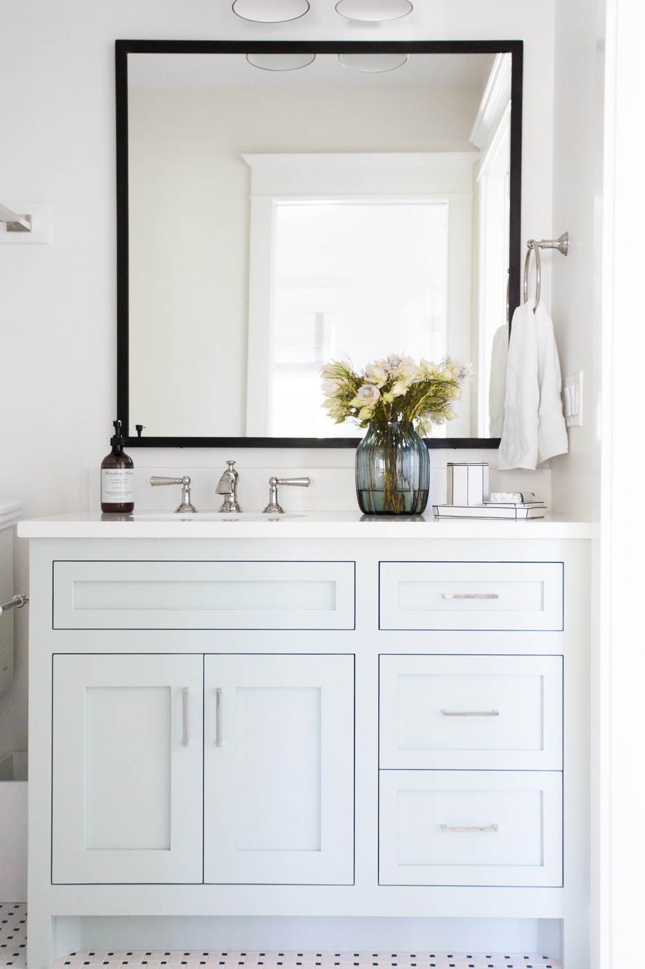 "Benjamin Moore ""Woodlawn Blue"" Cabinets 