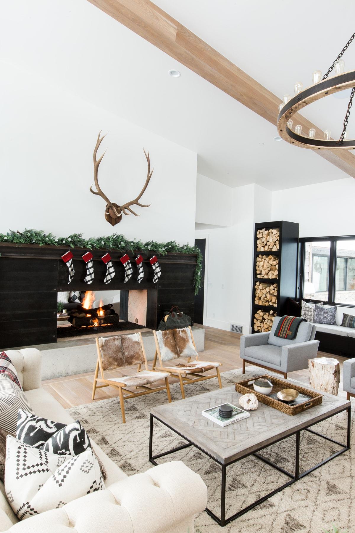 Holiday Mountain Home Decor