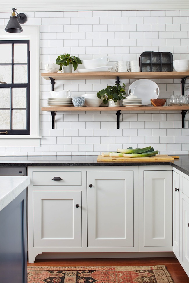 Trends We Love: Farmhouse Kitchens