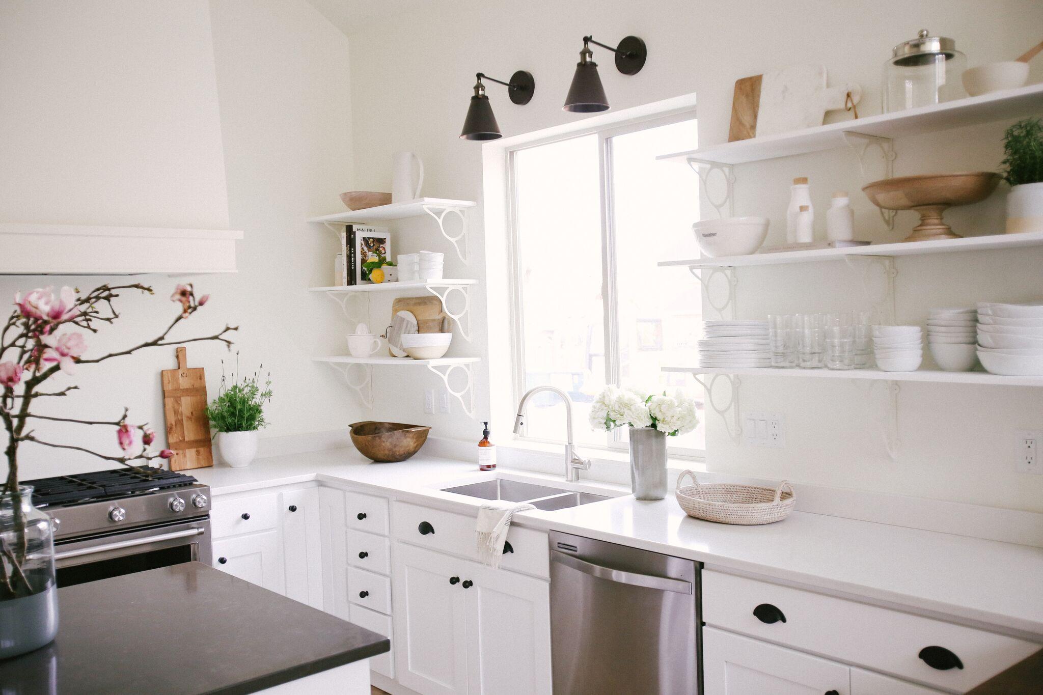 How To Minimalist Kitchen Styling