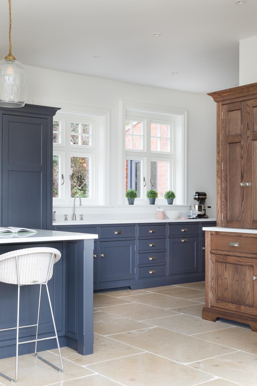 Oak-Lodge-Norfolk-Humphrey-Munson-Kitchen-Low-Res-10.jpg