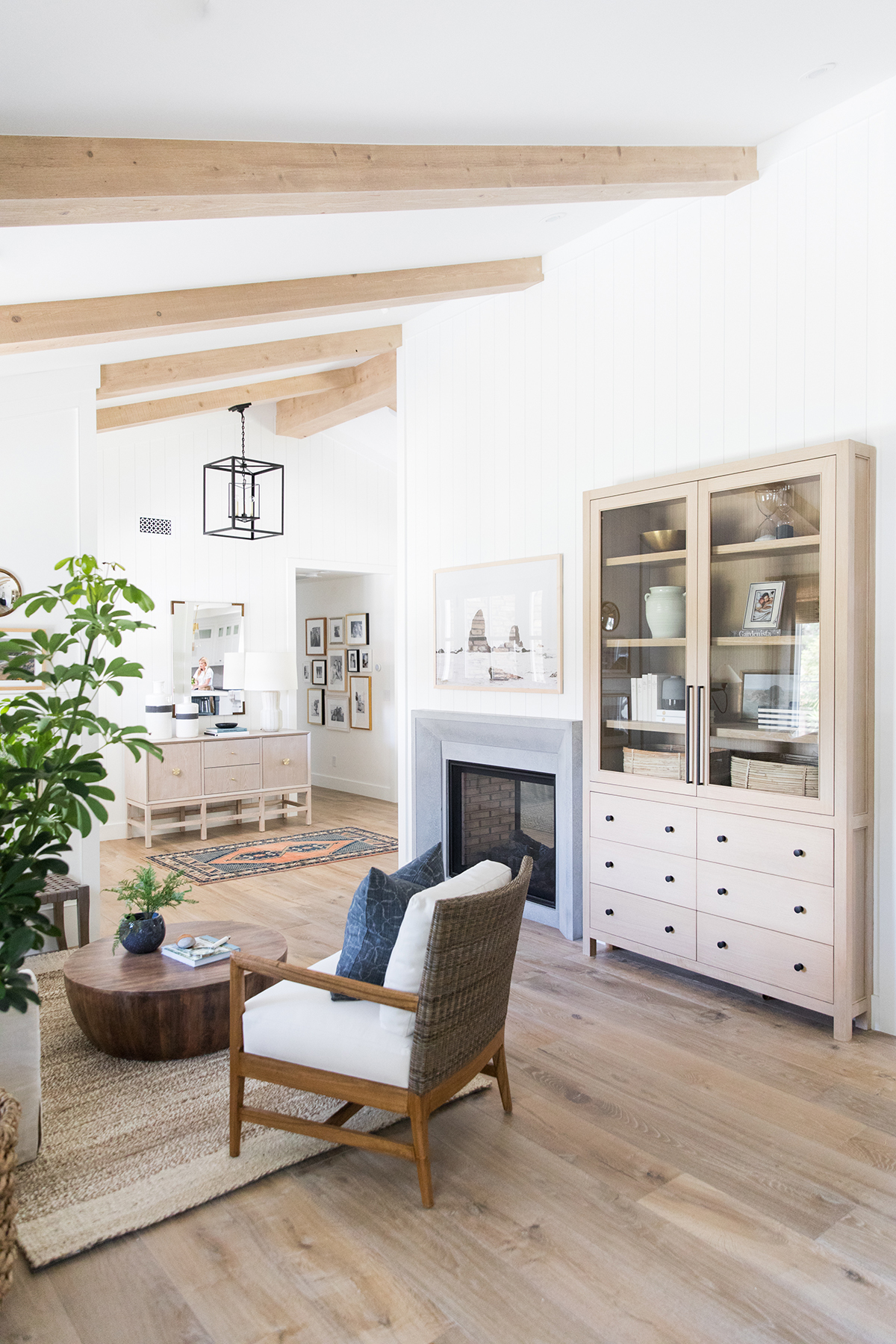 Sitting+Room+_+Natural+Beams+_+Vertical+Paneling.jpg
