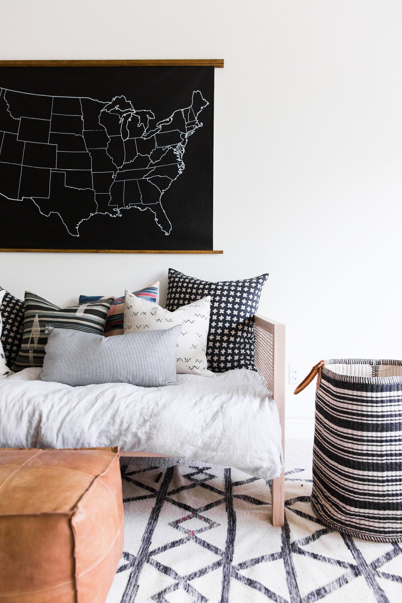 Coastal+Bohemian+Kids'+Playroom+Featuring+a+Daybed+with+Eclectic+Throw+Pillows.jpg