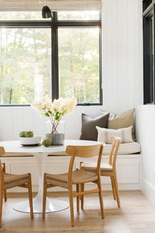 Modern farmhouse kitchen dining breakfast nook