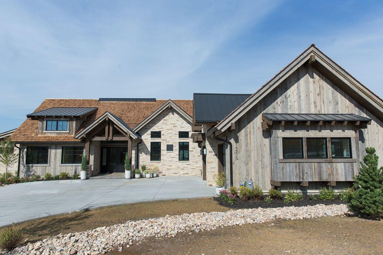Mountain+home+exterior+in+Park+City,+Utah+-+Studio+McGee+Design-1.jpg