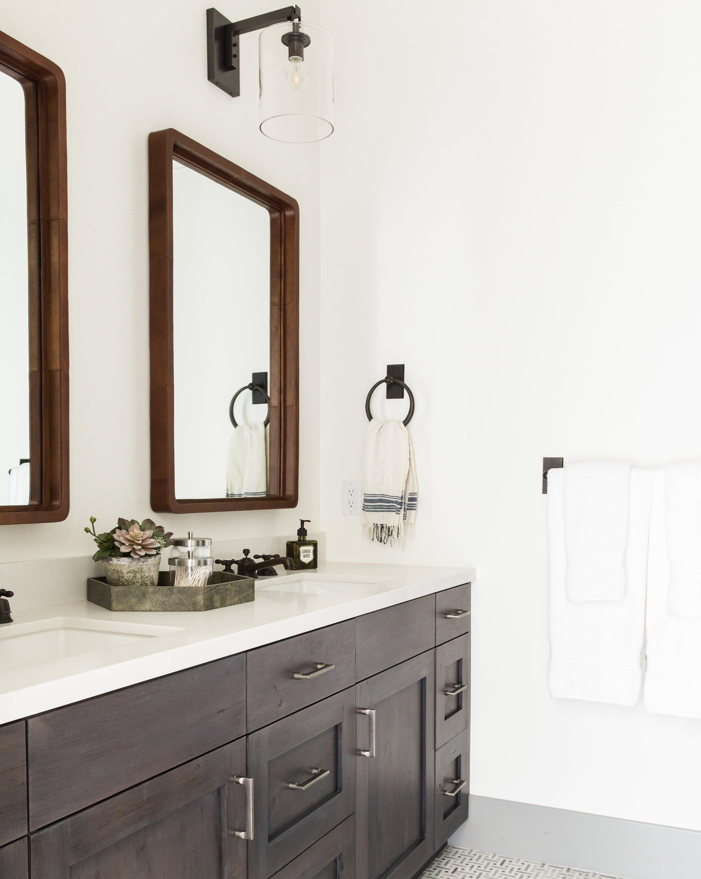 Our Favorite Decorative Bathroom Mirrors