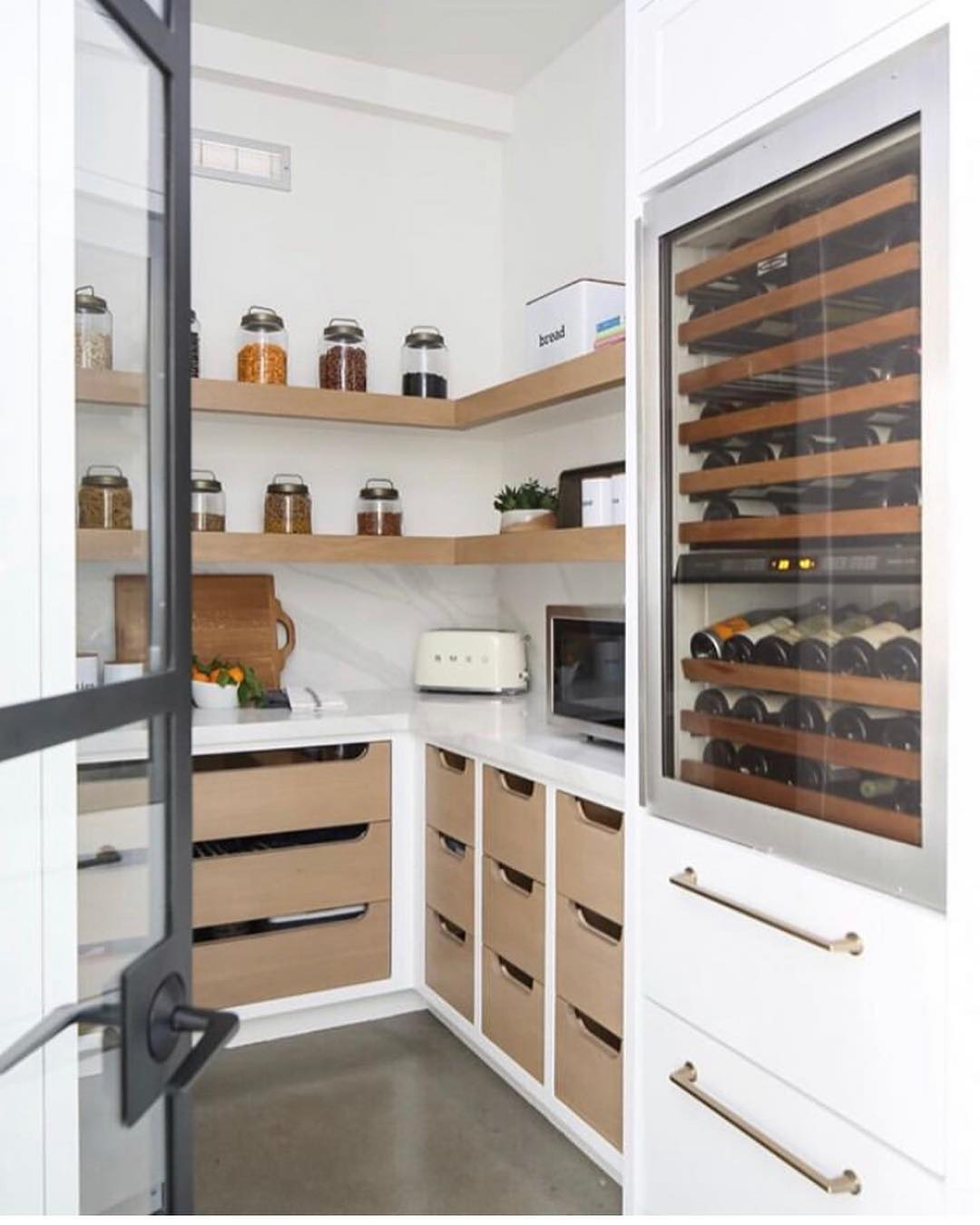 Friday Inspiration: One Butler's Pantry Please & Thank You!