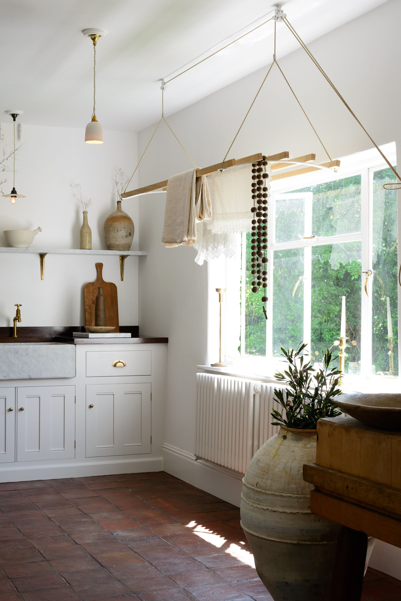 Design by  deVol Kitchens