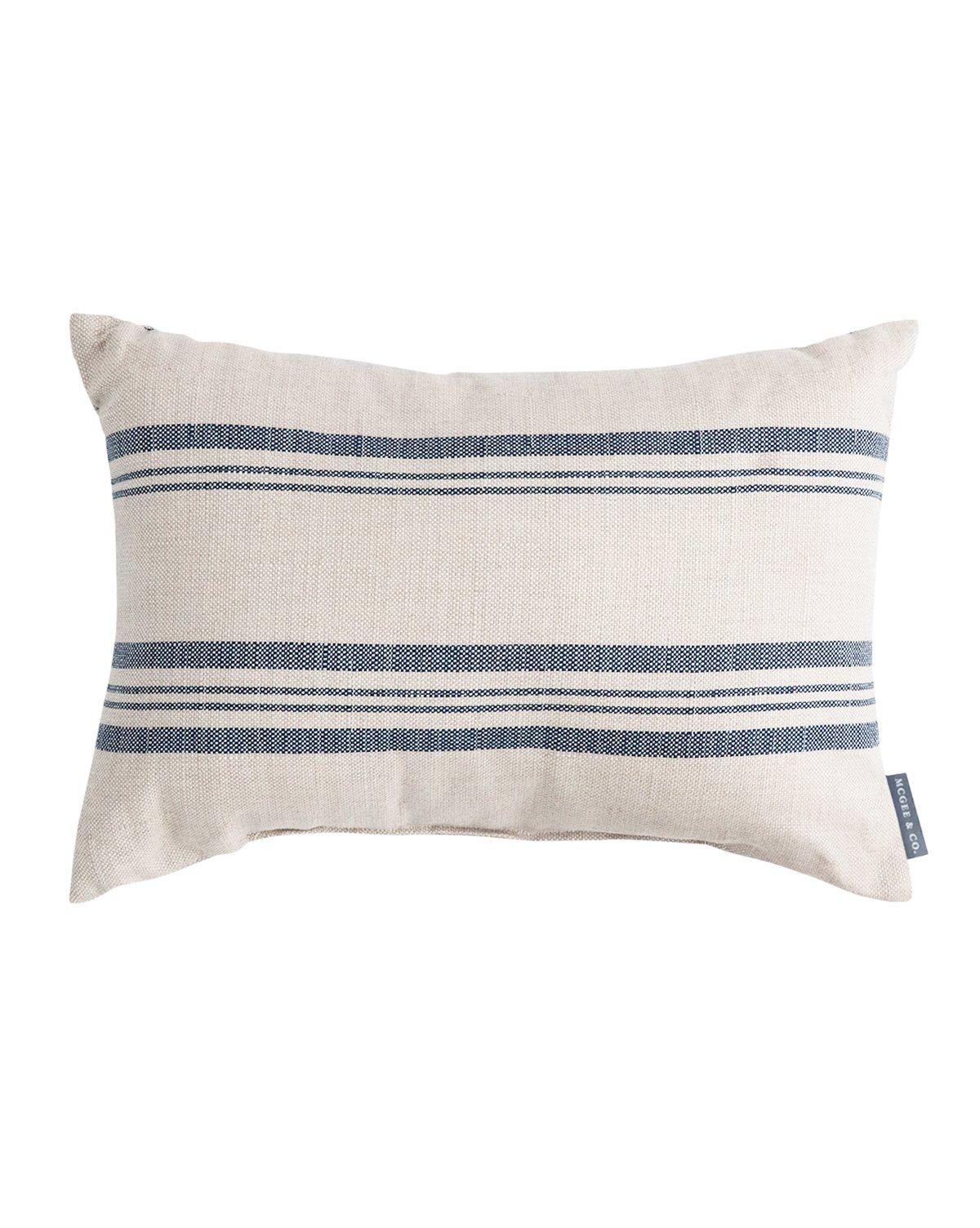 outdoor_pillow_b1060038-96f2-4441-9c45-bc98ed3bba12.jpg