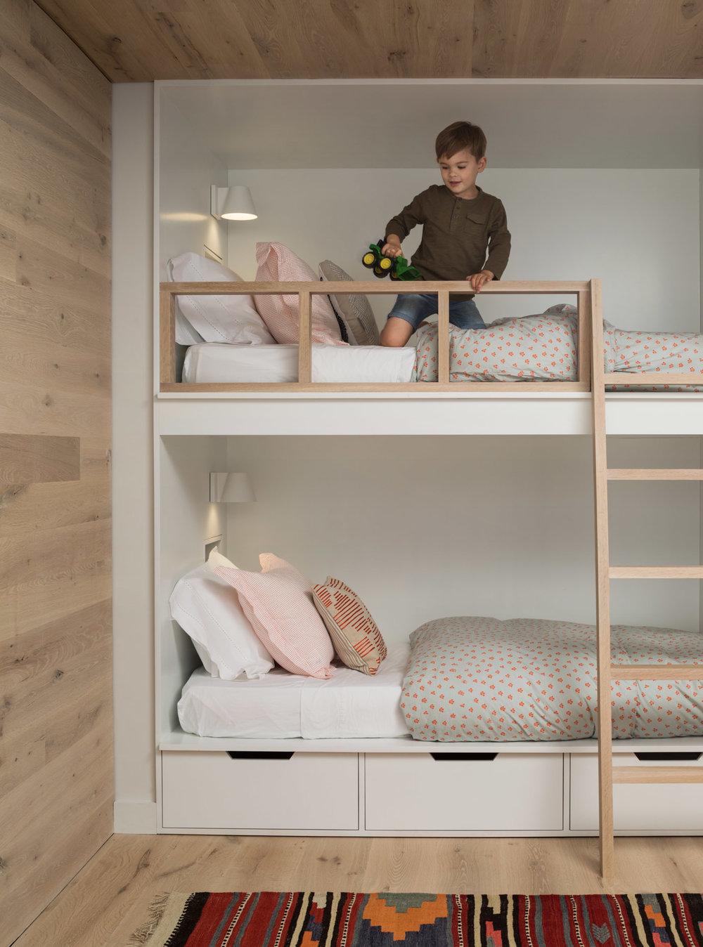 Architecture by  Whitten Architects  /Interior Design:  Found Design Studio ,  Belhaakon