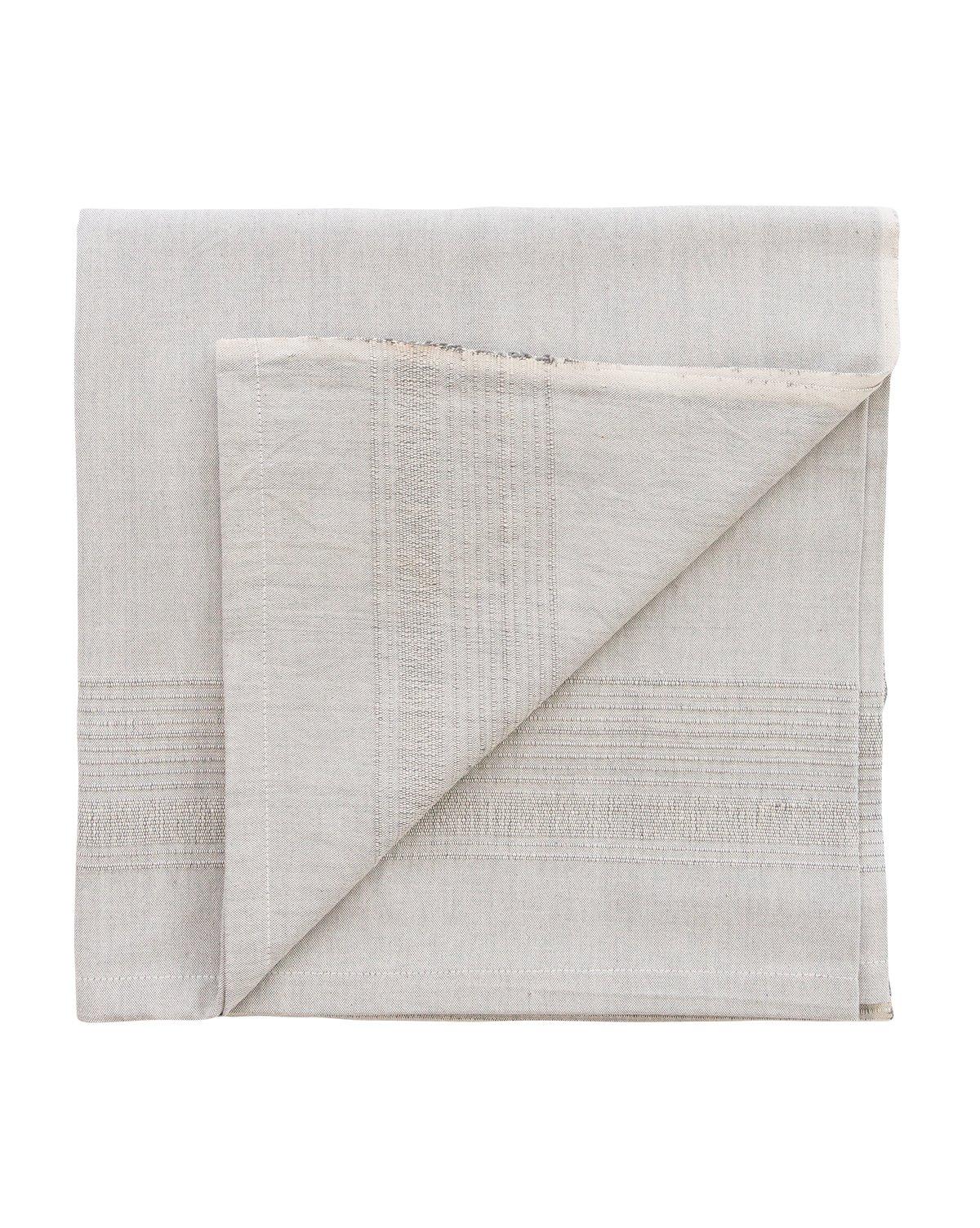 fringed_edge_tablecloth2.jpg