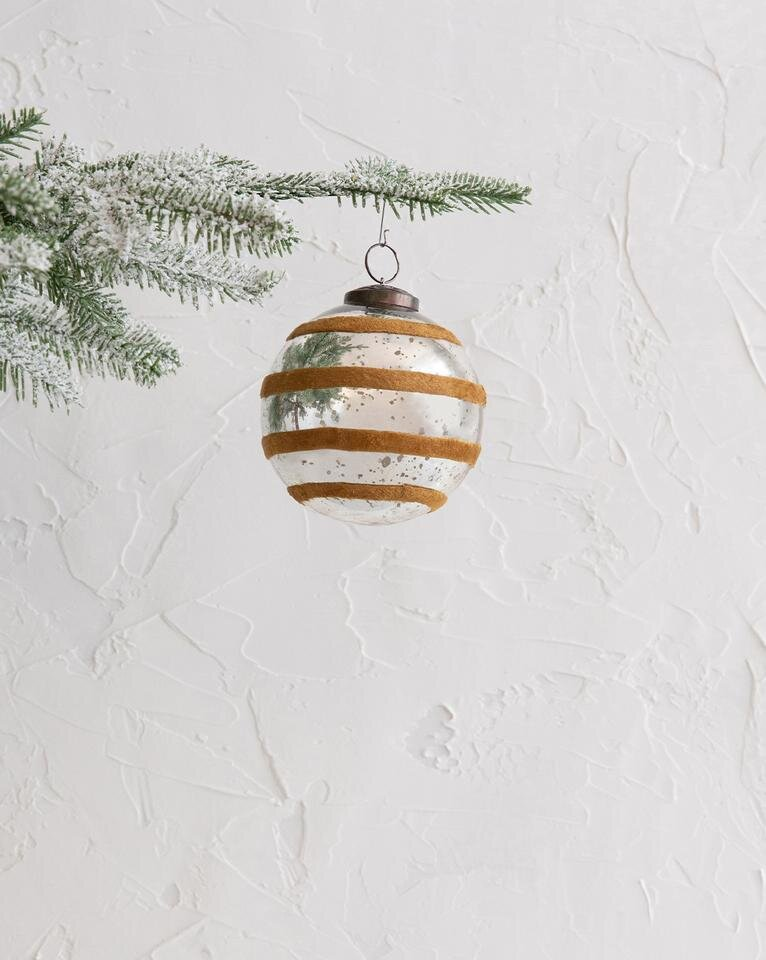 Velvet_Striped_Ornament_01_1_960x960.jpg