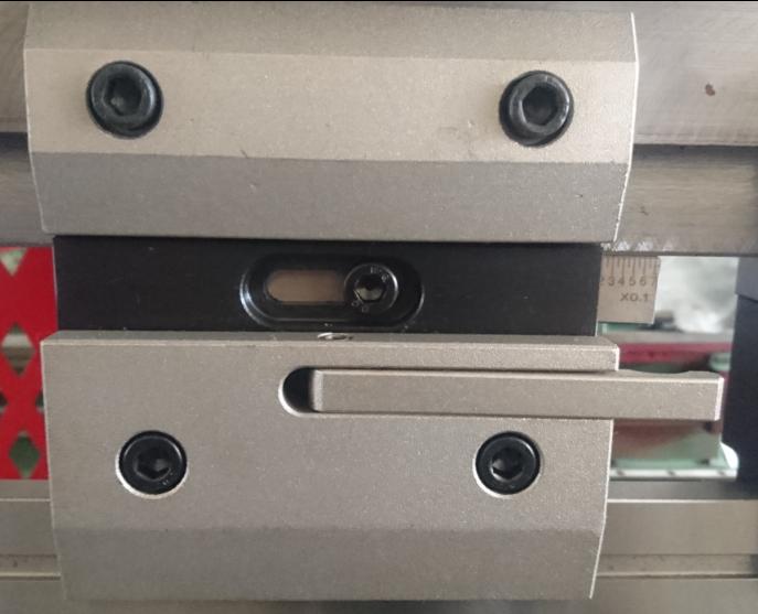 Quick release press brake tool clamp.